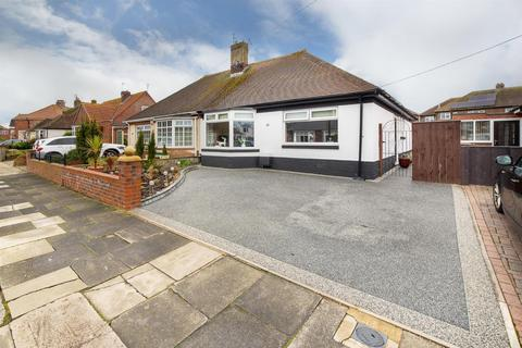 3 bedroom semi-detached bungalow for sale - Craneswater Avenue, Whitley Bay. NE26