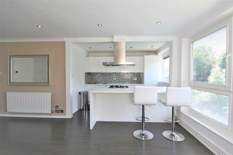 2 bedroom flat to rent - Valley Road, Bromley