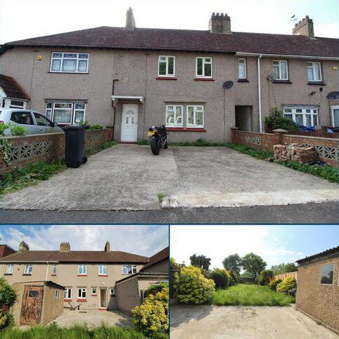 3 bedroom terraced house to rent - West Road, Romford, Essex, RM6