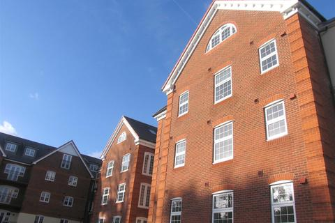 2 bedroom apartment to rent - Dorchester Court, Camberley