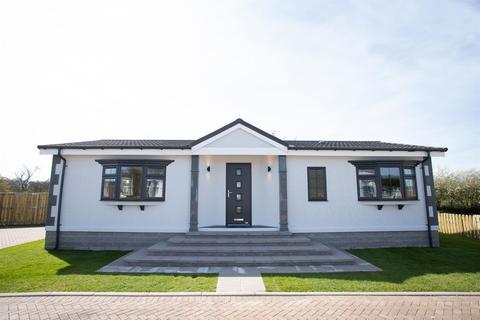 2 bedroom detached bungalow for sale - Burnbank Park, Carsie, Blairgowrie