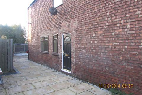 2 bedroom flat to rent - Town Lane, Denton, Manchester M34 6AF