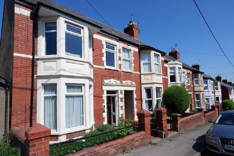1 bedroom flat for sale - 1st Floor, 25 Elm Grove Road, Dinas Powys, V Of G. CF64 4AB