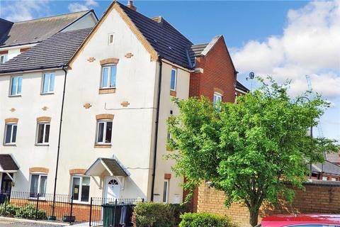 4 bedroom semi-detached house for sale - Romney Point, Ashford, Kent
