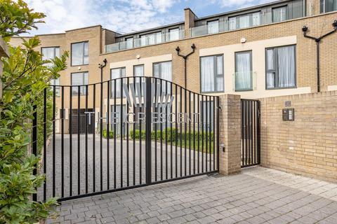 4 bedroom house to rent - Gunnersbury Mews, London, W4