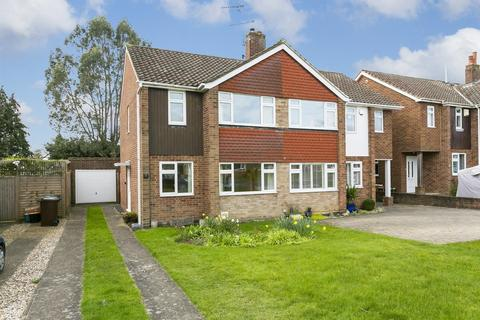 3 bedroom semi-detached house for sale - Framley Road, Tonbridge