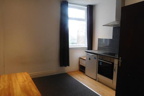 Studio to rent - Available studio Flat in Swinton, M27