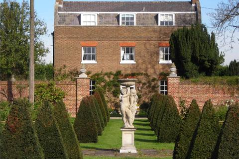 6 bedroom detached house for sale - The Old Farmhouse, Osterley Park