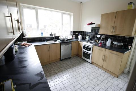 6 bedroom house share to rent - Pen-Y-wain Road, Roath