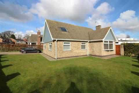 4 bedroom detached bungalow for sale - The Dales, Cottingham