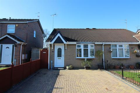 1 bedroom semi-detached bungalow for sale - Broadley Close, Hull
