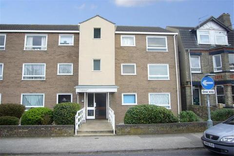 2 bedroom flat to rent - Kensington Court, Lowestoft