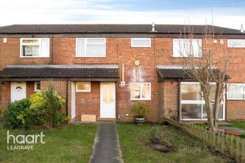 3 bedroom terraced house for sale - Peregrine Road, Luton