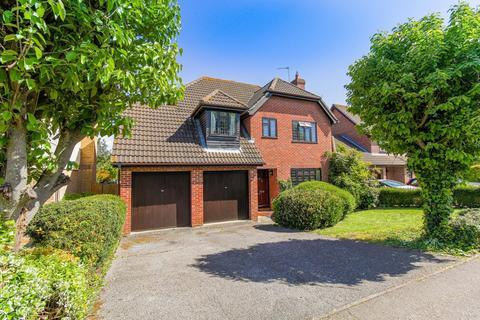 4 bedroom detached house for sale - Goldcrest Close, Colchester, Essex, CO4