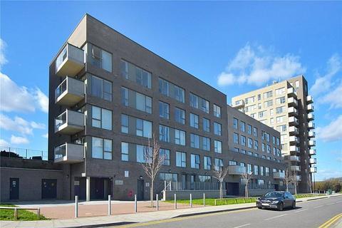 1 bedroom flat to rent - 1 Magellan Boulevard, E16