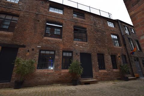 2 bedroom mews to rent - Blayds Yard