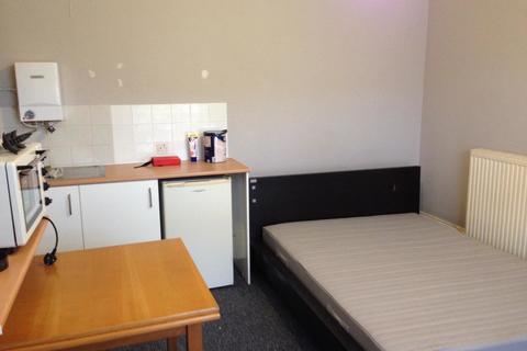 Studio to rent - Richmond Road, Southampton