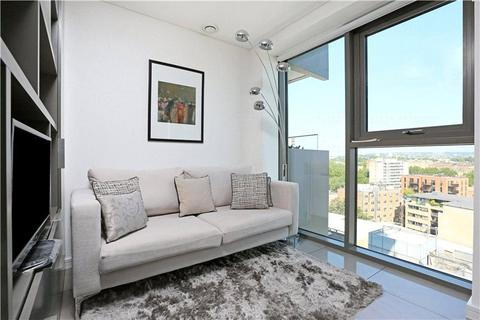 Flat to rent - Triton Building, Regents Place, NW1