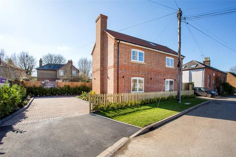 3 bedroom detached house for sale - New Road, Wilstone, Tring, Hertfordshire, HP23