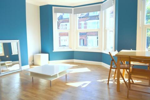 2 bedroom flat to rent - Dollis Road, Finchley Central, Finchley, London, N3 1RD