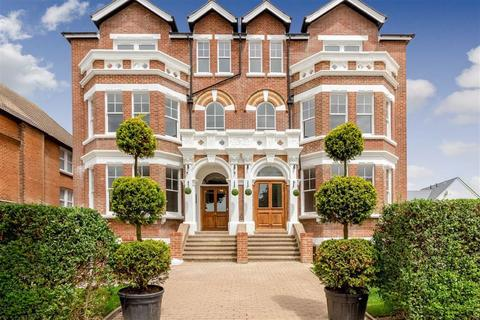 2 bedroom apartment to rent - Shorncliffe Road, Folkestone, Kent, CT20