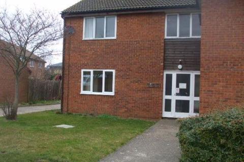 Studio to rent - Armitage Way, Cambridge