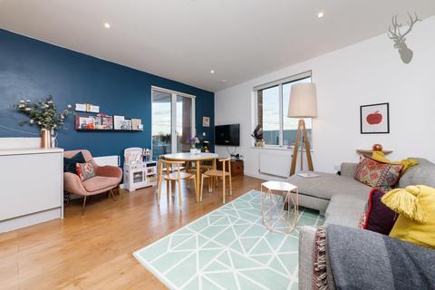 2 bedroom flat to rent - Neap Court, Navigation Road, London