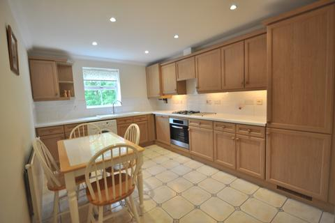 2 bedroom apartment to rent - Superb Apartment - Wraysbury, Berkshire