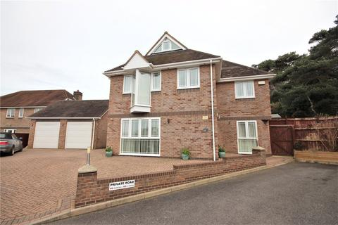 4 bedroom detached house for sale - Marian Close, Corfe Mullen, Wimborne, Dorset, BH21