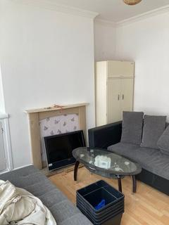 2 bedroom terraced house to rent -  St Michaels Avenue,  Leicester, LE4
