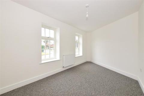 2 bedroom ground floor flat for sale - Wellington Gardens, Church View, Selsey, Selsey, West Sussex