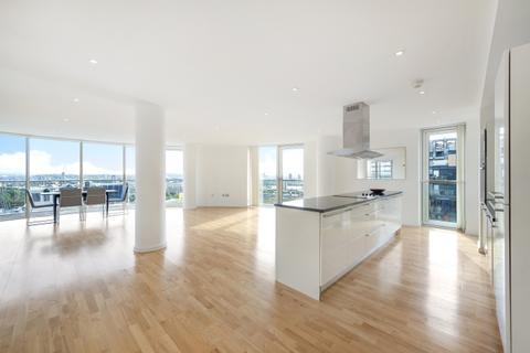 2 bedroom apartment - Millharbour London E14