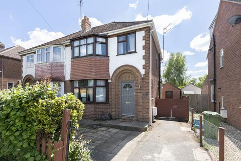 3 bedroom semi-detached house to rent - Cleevemount Road, Cheltenham GL52 3HF