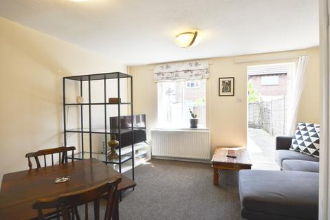 2 bedroom semi-detached house to rent - Nickelby Close se28