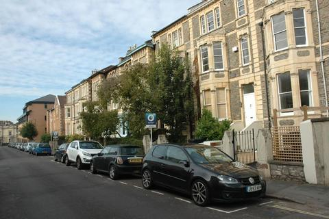 2 bedroom apartment to rent - West Park, Bristol, BS8 2LX