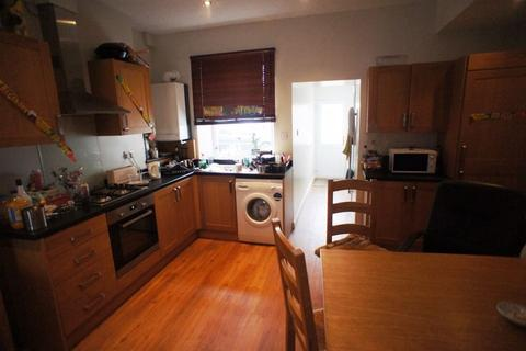 4 bedroom apartment to rent - Minny street, Cathays, Cardiff.