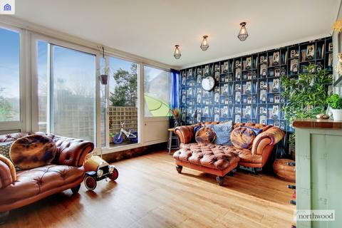3 bedroom maisonette for sale - Woodvale Walk, West Norwood, London, SE27 0HE