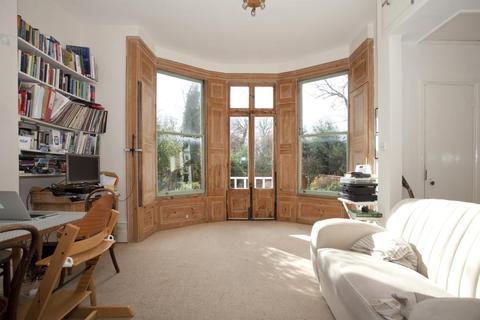 2 bedroom flat - Dulwich Road, London, SE24