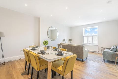 3 bedroom flat for sale - Balham Grove, Balham
