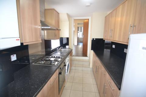 2 bedroom flat to rent - Church Lane, Leytonstone