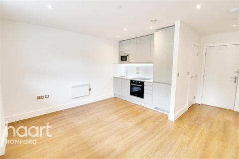 1 bedroom flat to rent - St Edwards Court - London Road - RM7