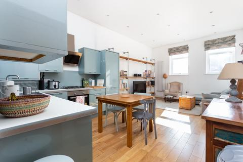 2 bedroom flat for sale - Church Road, Leyton, E10