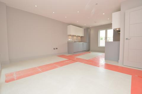 2 bedroom flat to rent - Doggett Road Catford SE6