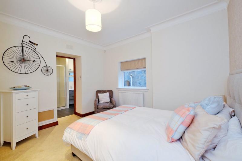 Bedroom gf2