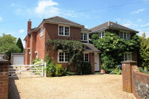 4 bedroom detached house to rent - Wescombe House, Barton Stacey