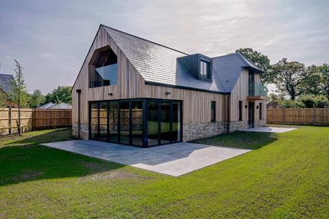 4 bedroom detached house for sale - Oak House Handpost Farm, Bracknell Road, Warfield, Berkshire