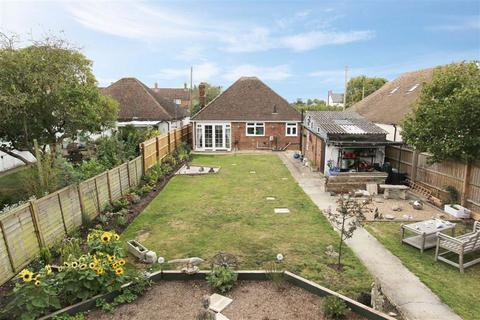 2 bedroom detached bungalow for sale - Weston Turville, Bucks
