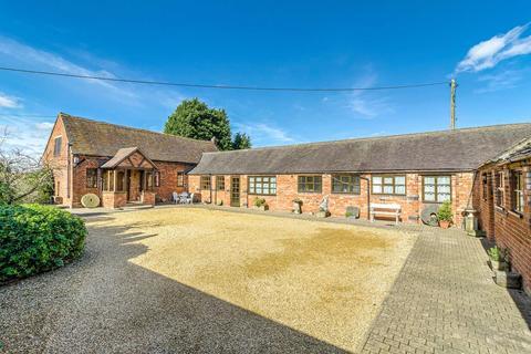 4 bedroom barn conversion for sale - Watling Street, Nuneaton