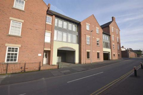 2 bedroom apartment to rent - Kenilworth Court, Stone