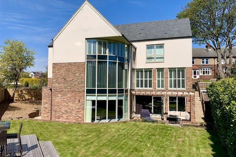 5 bedroom detached house to rent - The Laurels, Durham Moor Crescent, Durham